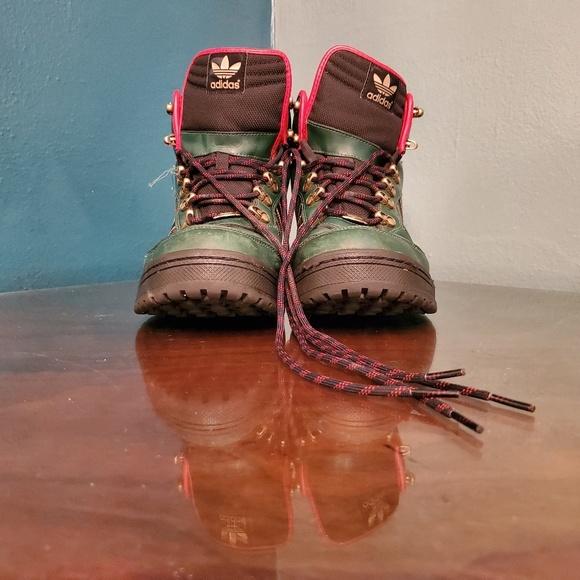 a755dbd0 Adidas Winter Ball Boot Green/Red